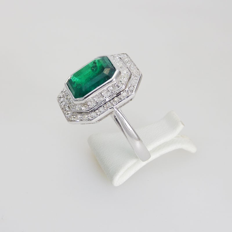 bague ancienne emeraude diamants bijouterie akarat. Black Bedroom Furniture Sets. Home Design Ideas